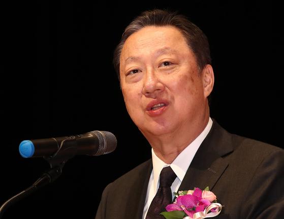3월 4일 오전 서울 강남구 코엑스 오디토리움에서 열린 '제53회 납세자의 날' 기념식에서 박용만 대한상의 회장이 기념사를 하고 있다. [연합뉴스]