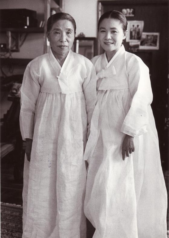 만정 김소희(왼쪽)과 안숙선.                    [사진 현대차 정몽구 재단]