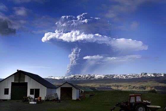 아이슬란드에서 2011년 발생한 화산 모습 [AFP=연합뉴스]