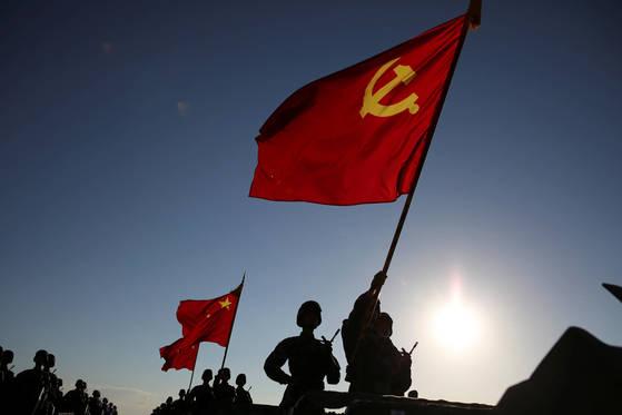 2017년 몽골자치구 훈련장 열병식에 참여한 중국인민해방군 [사진 REUTERS=연합뉴스]