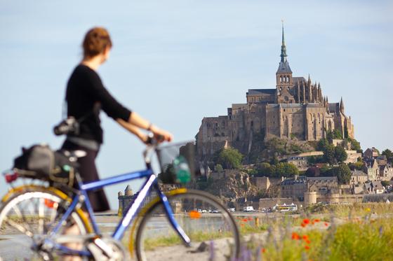 프랑스 파리를 찾는 한국인 사이에서 가이드투어 목적지로 인기인 몽생미셸 섬. [사진 프랑스관광청]