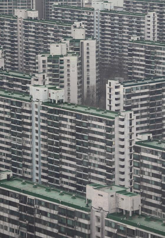 2030년까지 서울 아파트 56%의 정비시기가 도래함에 따라, 서울시가 정비계획과 디자인 혁신안을 발표했다. 성냥갑같은 획일적인 디자인을 다양화하겠다는 계획도 담았다. [연합뉴스]