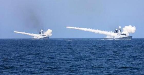 서해에서 대규모 군사 훈련을 벌이는 중국 해군. [사진 양광망 캡처]