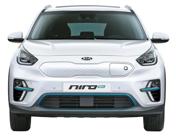 올해의 에코 부문은 기아자동차 니로 EV가 선정됐다. 주행거리만 긴 것이 아니라 종합 성능까지 뛰어났다. [사진 기아자동차