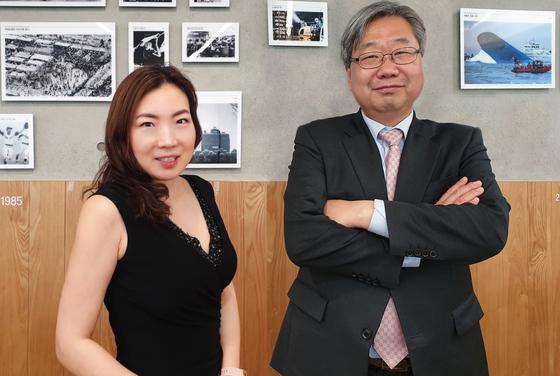 왼쪽부터 정혜련 HiREBEST 대표와 박영재 한국은퇴생활연구소 대표. 서지명 기자