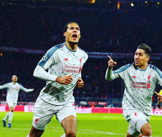 리버풀 판데이크가 바이에른 뮌헨과 유럽 챔피언스리그에서 골을 터트린 뒤 기뻐하고 있다. [리버풀 소셜미디어]