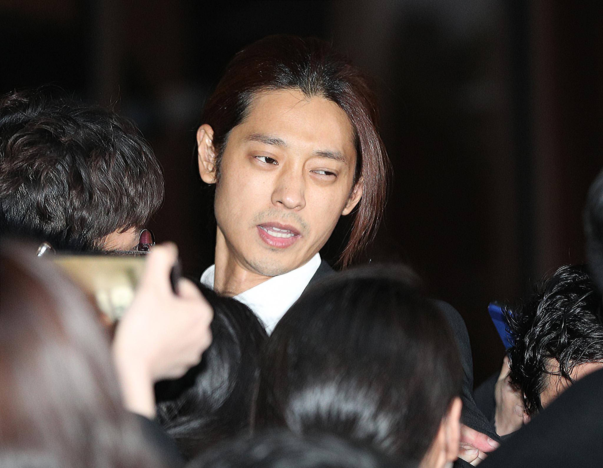 [속보] 경찰 '성관계 몰카' 혐의 정준영 주거지 압수수색