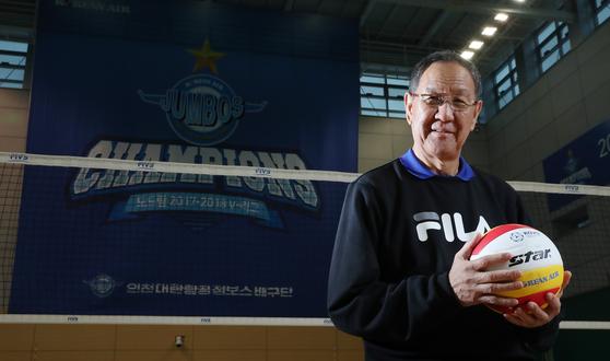 박기원 감독은 국내 스포츠 최고령 지도자다. 승부에 대한 열정은 젊은 지도자 못잖다. [우상조 기자]