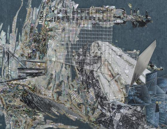 제58회 베니스 비엔날레 본전시 초청 작가인 이불의 패브릭 페인팅 'Untitled (Willing To Be Vulnerable - Velvet #6)'. [사진 PKM갤러리]