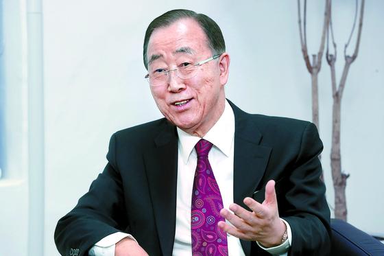 반기문 전 유엔사무총장이 미세먼지 해결을 위한 범사회적 기구의 수장으로 떠오르고 있다. [강정현 기자]