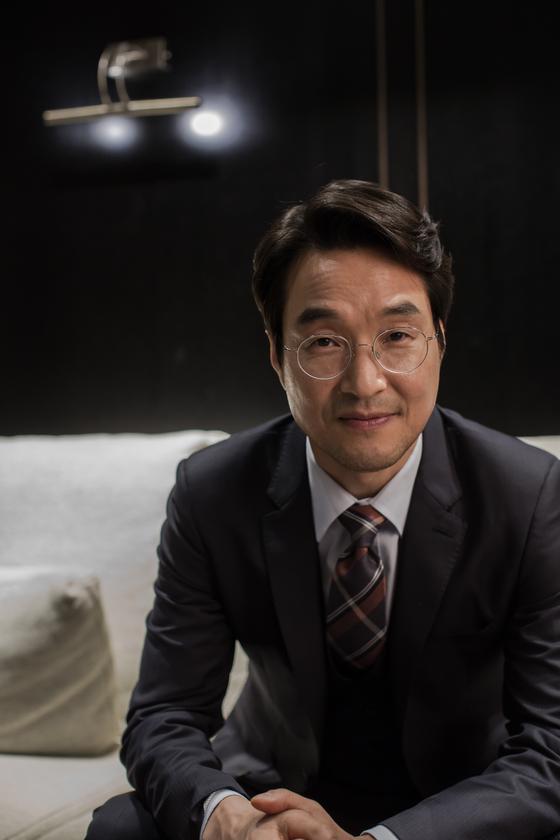 영화 '우상' 주연배우 한석규를 8일 서울 삼청동에서 만났다. [사진 CGV아트하우스]