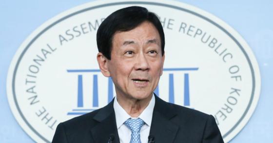 진영 행정안전부 장관 후보자가 지난 8일 오후 국회 정론관에서 소감을 말하고 있다. 임현동 기자