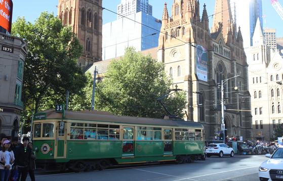 세계에서 가장 살기 좋은 도시로 알려진 호주 멜버른은 도시의 건물이 신구 조화를 이루며 다양한 모습을 하고 있다. 오종택 기자