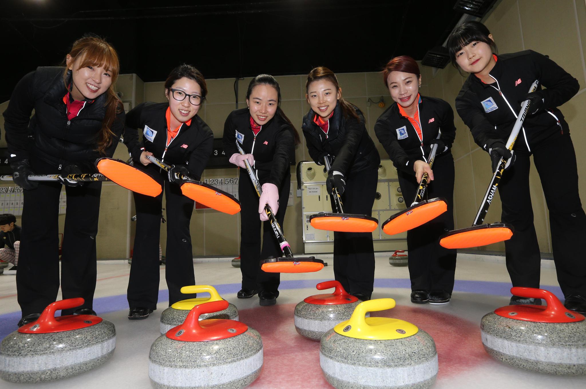 2015년 4월 당시 경기도청 선수들. 왼쪽부터 김은지 염윤정 김지선 이슬비 엄민지 설예은. 김상선 기자