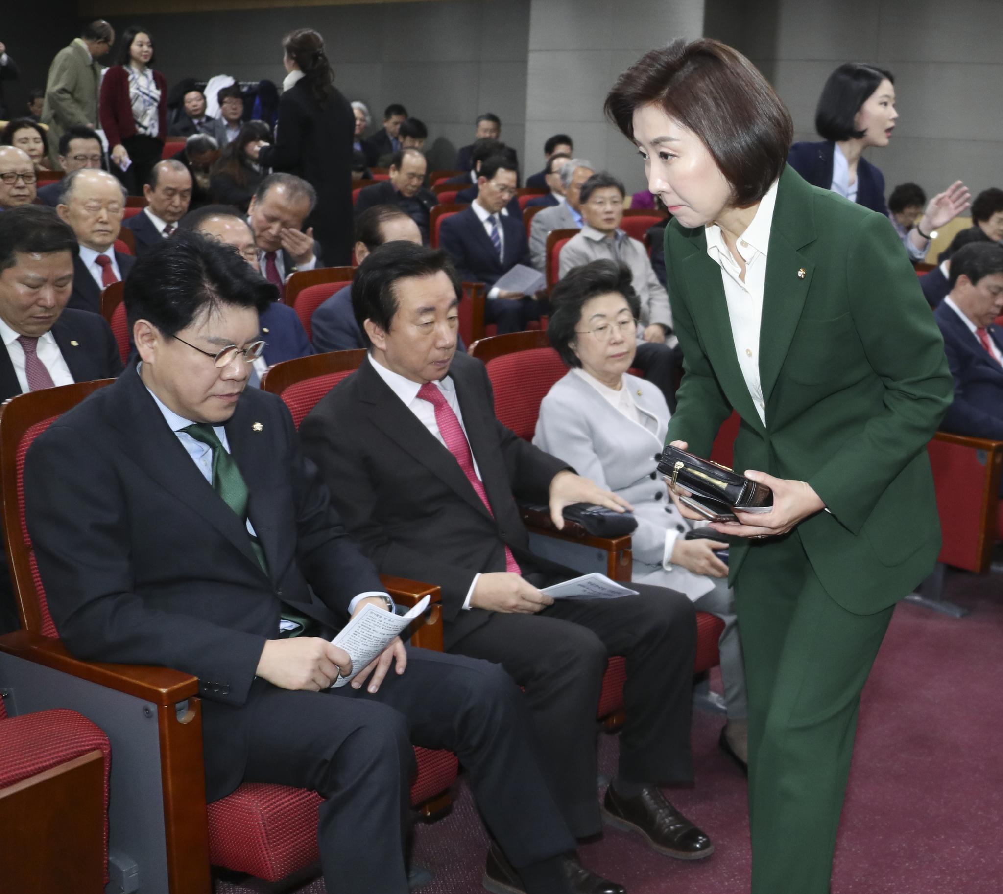 나경원 원내대표가 기도회에 참석하고 있다.  임현동 기자