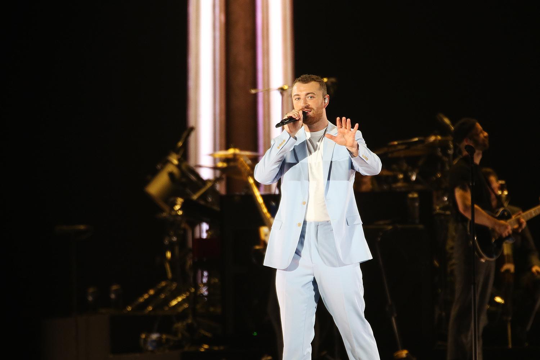 영국 출신 가수 샘 스미스가 지난해 10월 9일 오후 서울 구로구 고척스카이돔에서 열린 '현대카드 슈퍼콘서트 23 샘 스미스'에서 공연을 펼치고 있다. [사진 현대카드]