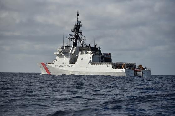 초계 중인 미 해안경비대의 경비함인 버솔프함. [사진 미 해안경비대]