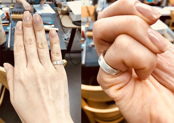 점검 및 착용. 반지를 껴보고 걸리는 부분이나 날카로운 부분은 없는지 확인한다. 반지의 전체적인 모양을 점검한다. [사진 민은미]