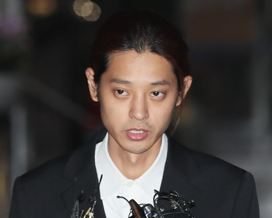 '성관계 몰카 촬영·유통' 정준영 영장실질심사…구속여부 오늘 밤 결정