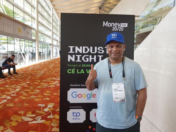 19일 싱가포르 마리나베이샌즈에서 열린 핀테크 행사 '머니2020 아시아'에서 만난 토니 페르난데스 에어아시아 회장. 조진형 기자