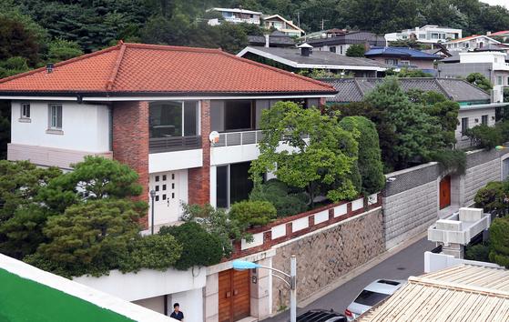 전두환 연희동 자택 51억3700만원에 낙찰