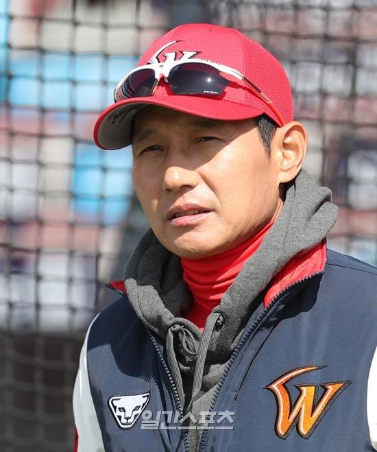 SK 염경엽 신임 감독은 2년 연속 팀의 KS우승을 노린다.