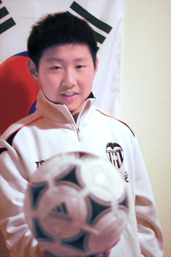 2011년 스페인으로 건너가 프리메라리가 5대명문팀 발렌시아에 입단한 이강인. 그는 이름처럼 강인하게 잘 성장해 2019년 A대표팀에 뽑혔다. [중앙포토]