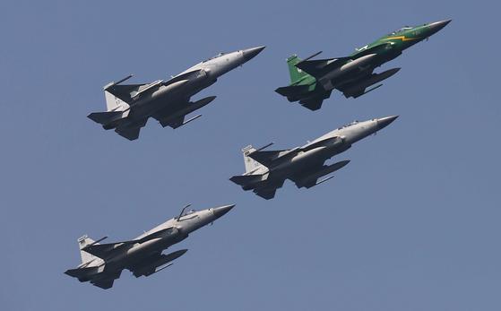 지난 2월 훈련에 참가한 파키스탄 공군 JF-17 전투기 [EPA/SHAHZAIB AKBER=연합뉴스]