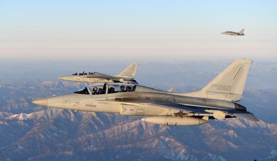 2018년 신년 초계비행에 나선 국산전투기 FA-50 편대 [사진 공군제공]