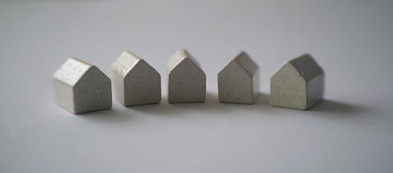 다주택자는 여러 주택 중 가급적 양도차익이 큰 주택을 먼저 증여하는 것이 좋다. 그리고 증여세 부담을 줄이기 위해 여러 자녀에게 나눠서 증여하는 방법을 쓸 수도 있다. [사진 pixabay]