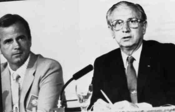 후안 안토니오 사마란치 국제올림픽위원회장(오른쪽)과 피터 위버로드 LA올림픽 조직위원장.