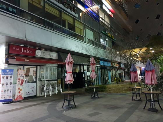 밤이면 텅 비는 판교밸리. 성남상공회의소에 따르면 주간 13만 명에 달하는 유동인구는 야간에는 2만 명 수준으로 줄어든다. 김정민 기자