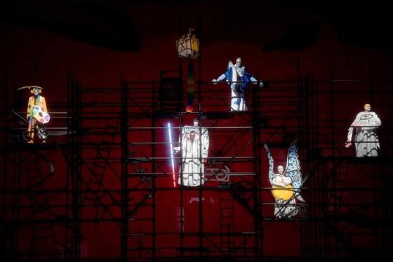 '니벨룽의 반지'는 다양한 장면이 엮여서 완성된다. 바그너 4부작 오페라 '니벨룽의 반지-라인의 황금' 공연 장면. [월드아트오페라]