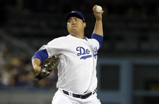3일 샌프란시스코와 경기에서 7이닝 2실점 호투를 펼친 LA 다저스 류현진. [AP=연합뉴스]