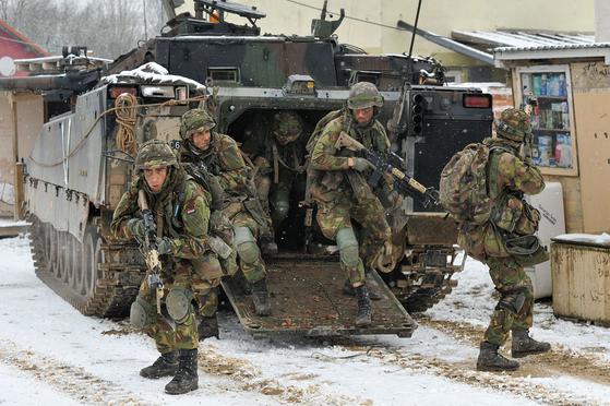 네덜란드 육군의 훈련 모습. [사진 위키피디아]