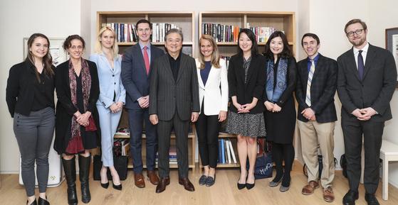 홍석현 회장, 미국 외교안보 전문기자단과 간담회
