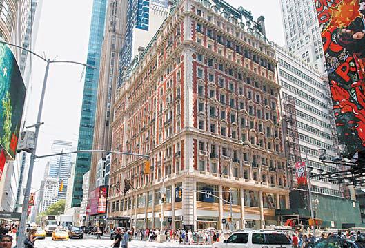 클럽이민의 미국투자이민 프로젝트로 오피스 건물에서 호텔로 리노베이션한 'Knickerbocker Hotel' 전경. [사진 클럽이민]