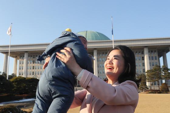 임기 중 출산한 신보라 자유한국당 의원. 김경록 기자