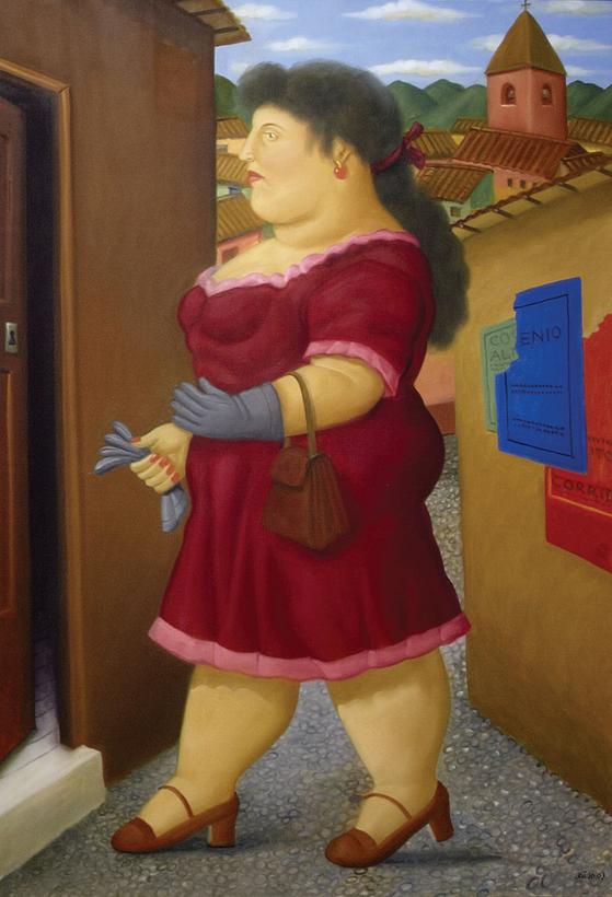 집으로 들어가는 빨간옷의 여인(mujer entrando a su casa), Fernando Botero. [중앙포토]