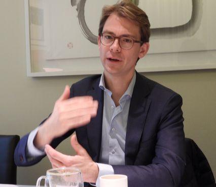 """네덜란드 우르헨다의 베르켈 변호사는 """"기후변화를 막는 데 있어서 정부의 역할은 특별하고 중요하기 때문에 정부가 책임을 다하는 것이 중요하다""""고 강조했다. 강찬수 기자"""