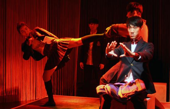 올해 서울연극제의 공식선정작 중 하나인 연극 '대한민국 난투극'. [사진 창작집단 LAS]