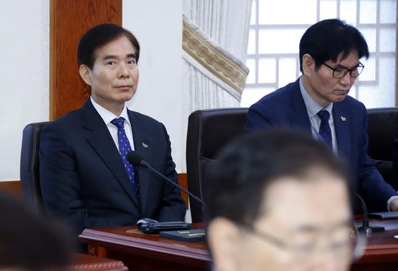 주영훈 청와대 경호처장이 9일 오전 청와대에서 열린 국무회의에 참석하고 있다. [연합뉴스]