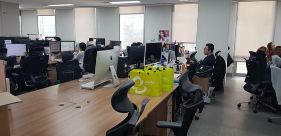 미미박스 9층 사무실. 비어있는 책상이 하형석 대표가 한국에 들어오면 사용하는 집무실이다. 안혜리 기자