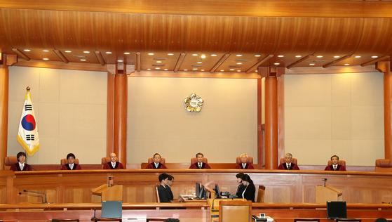 헌법재판소가 자율형사립고 중복지원 금지 규정에 대한 위헌 여부를 11일 결정한다. [중앙포토]