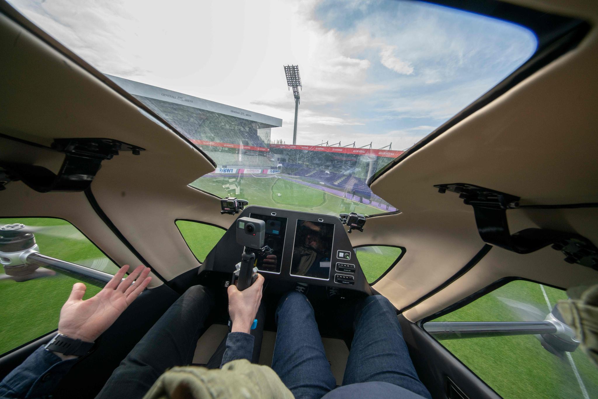 시험비행하는 '에어 택시'에서 바라본 풍경. [AFP=연합뉴스]