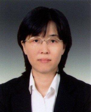 문재인 대통령이 20일 신임 헌법재판관에 이미선 서울중앙지방법원 부장판사를 임명했다.[뉴스1]