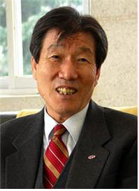 제 25 회 한신상 수상자로 선정된 강신석 목사