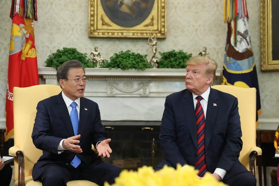 문 대통령 남북정상회담, 들고 갈 확실한 선물 안 준 트럼프