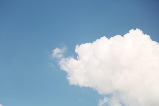 삶은 구름 한 조각과 같다. 마치 구름 한 조각이 생기고 사라지는 것처럼 덧없는 일이다. [사진 unsplash]