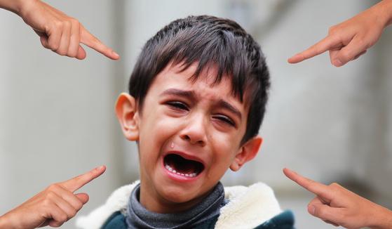 부모의 지나친 간섭과 꾸중은 자녀를 망친다. [사진 pixabay]